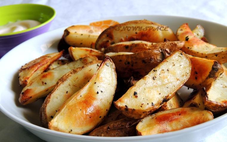 Healthy_Homemade_Baked_Potato_Wedges1