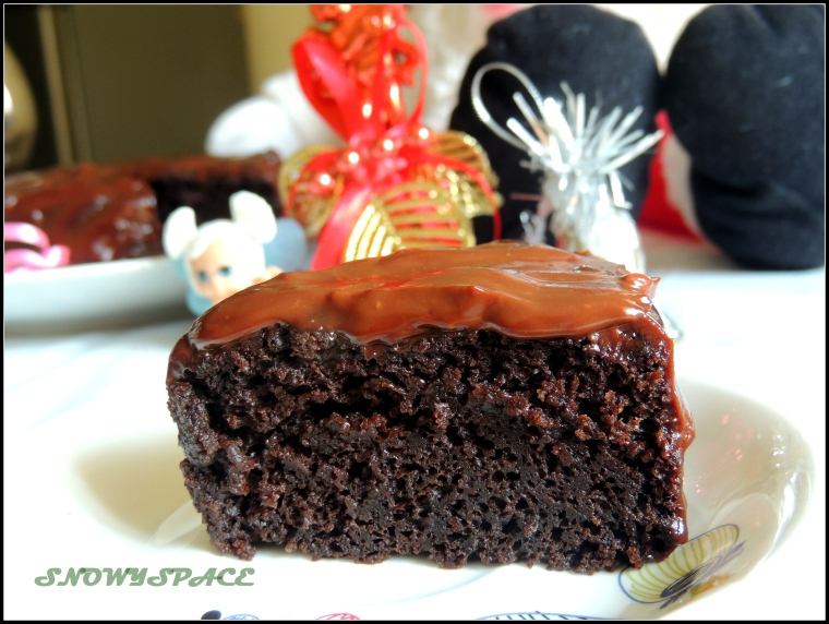 Double_Rich_Moist_ChocolateCake_002.JPG