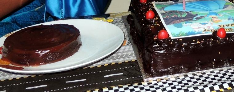 Double_Rich_Moist_ChocolateCake_004