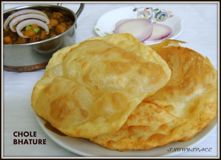 CholeBhature_ChannaMasala_WhiteCickpeasgravy_Recipe_002.JPG